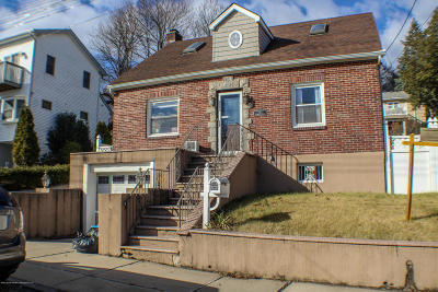 Staten Island Single Family Home For Sale: 14 Starbuck Street