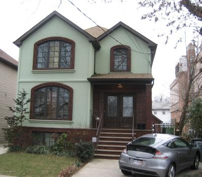Staten Island NY Two Family Home For Sale: $929,000