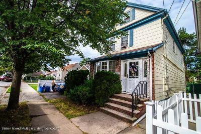 Staten Island Single Family Home For Sale: 863 Delafield Avenue