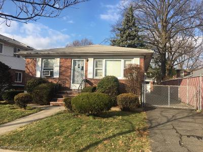 Single Family Home For Sale: 103 Chandler Avenue