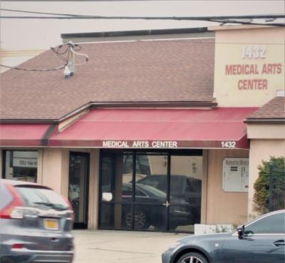 Staten Island Commercial For Sale: 1432 Hylan Boulevard