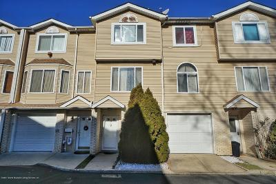 Staten Island Single Family Home For Sale: 25 Gil Court