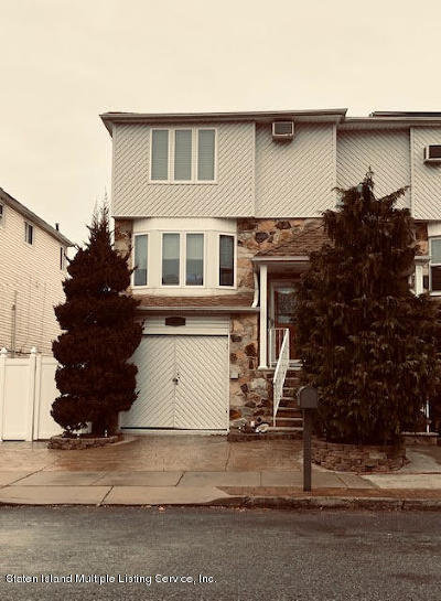 Semi-Attached For Sale: 15 Field Street