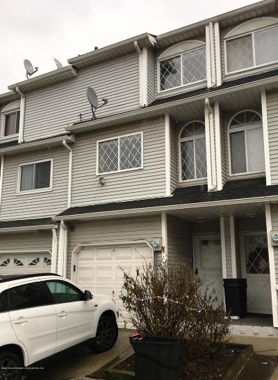 Staten Island Single Family Home For Sale: 75 Simmons Loop