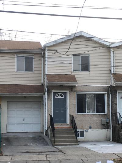 Staten Island Single Family Home For Sale: 151 Broadway