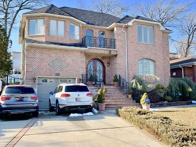 Single Family Home For Sale: 107 Northern Boulevard