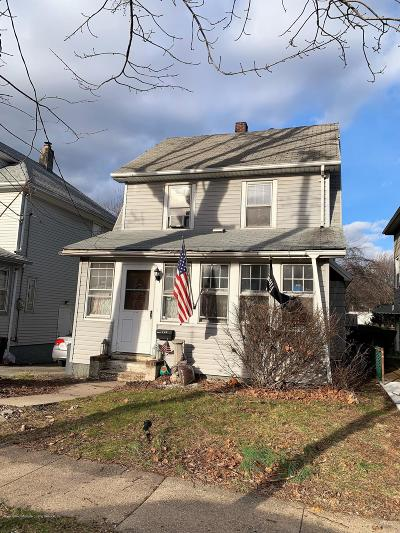 Staten Island Single Family Home For Sale: 407 Little Clove Road