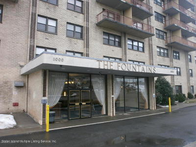Staten Island Co-op For Sale: 1000 Clove Road #6d