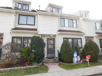 Staten Island Condo/Townhouse For Sale: 361 Signs Road #B