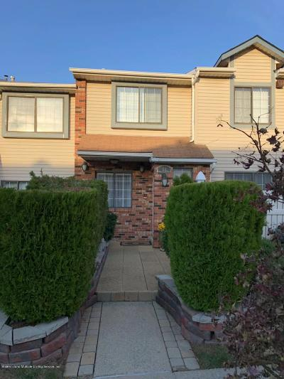Staten Island Condo/Townhouse For Sale: 54 McDivitt Ave #A