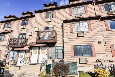 Staten Island Condo/Townhouse For Sale: 68 Lamped Loop