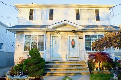 Semi-Attached For Sale: 419 Quintard Street