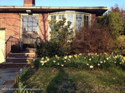 Single Family Home For Sale: 271 Kissel Avenue