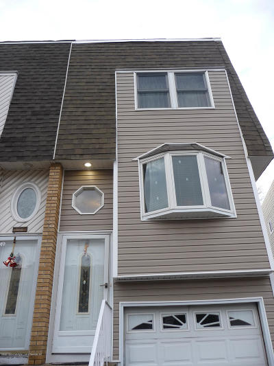 Staten Island Single Family Home For Sale: 61 Daffodil Court