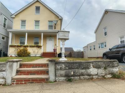 Single Family Home For Sale: 147 Yetman Avenue