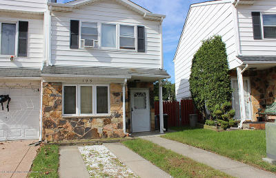 Staten Island Semi-Attached For Sale: 195 Carlyle Green