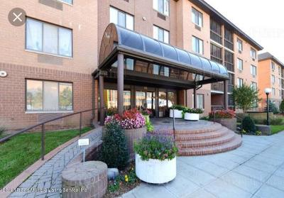 Staten Island Condo/Townhouse For Sale: 40 Wellington Court #2b