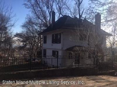 Staten Island NY Single Family Home For Sale: $975,000