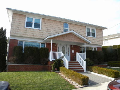 Staten Island NY Single Family Home For Sale: $915,000