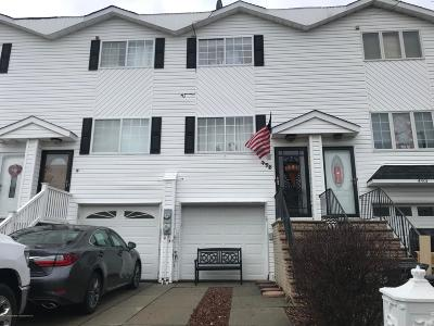 Staten Island NY Single Family Home For Sale: $549,998