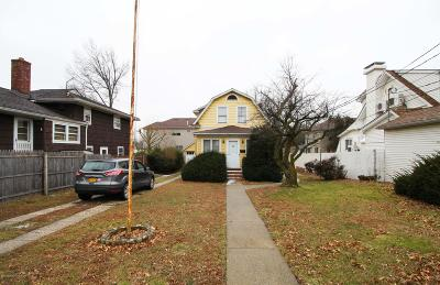 Staten Island NY Single Family Home For Sale: $525,000