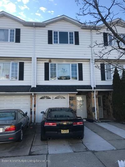 Staten Island NY Single Family Home For Sale: $474,000