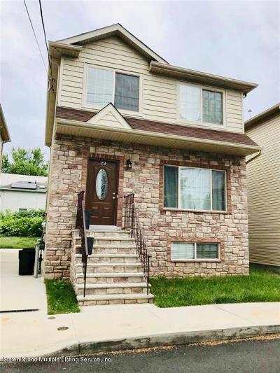 Staten Island NY Single Family Home For Sale: $688,000