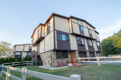 Semi-Attached For Sale: 56 Parkview Loop