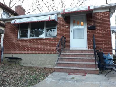 Staten Island Single Family Home For Sale: 300 Bidwell Avenue