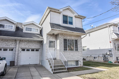Semi-Attached For Sale: 762 Bloomingdale Road