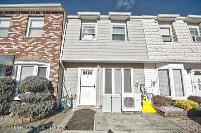 Staten Island Single Family Home For Sale: 8 Cherrywood Court