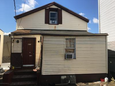 Single Family Home For Sale: 422 St Marks Place