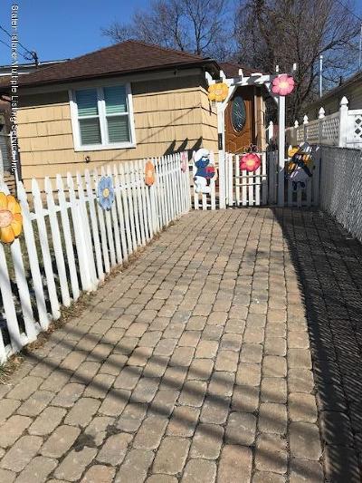 Staten Island Single Family Home For Sale: 143 Wiman Avenue