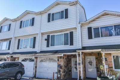 Staten Island Single Family Home For Sale: 26 Carlyle Green