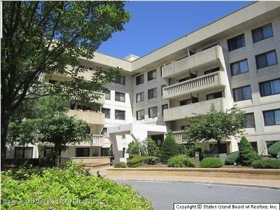 Staten Island Condo/Townhouse For Sale: 11 Windham Loop #5aa