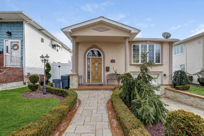 Staten Island Single Family Home For Sale: 104 Pinewood Avenue