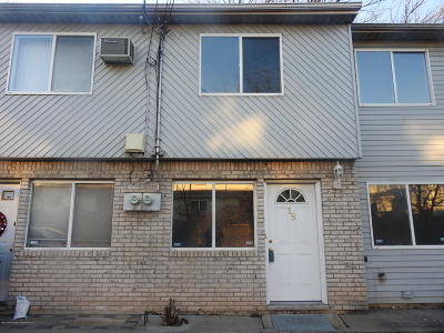 Staten Island Single Family Home For Sale: 18 Walker Drive
