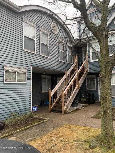 Staten Island Condo/Townhouse For Sale: 114 Pond Way