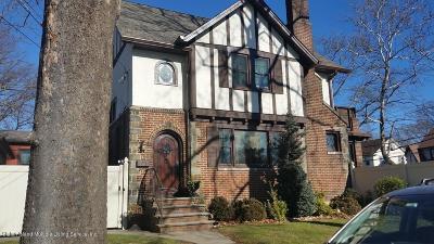 Staten Island Single Family Home For Sale: 63 Riegelmann Street