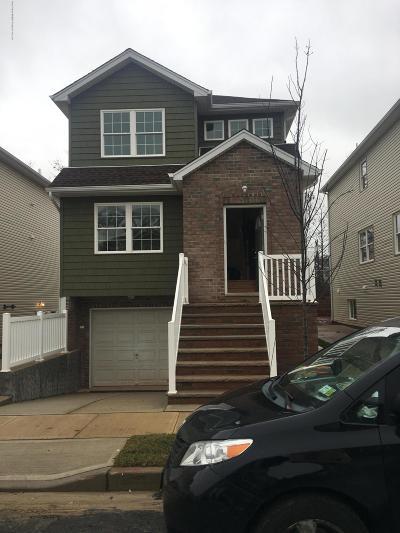 Staten Island Rental For Rent: 22 Bayonne Court