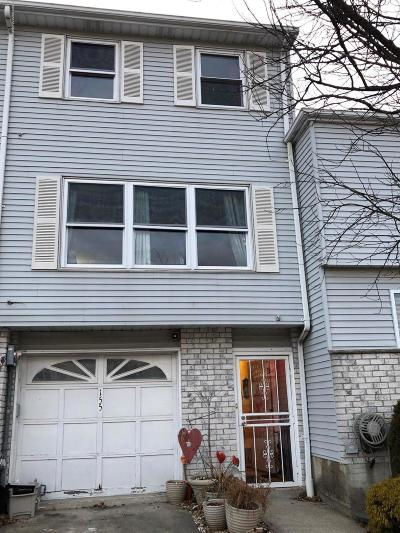 Staten Island Single Family Home For Sale: 155 Lorraine Loop
