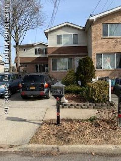 Staten Island Single Family Home For Sale: 273 Deal Court