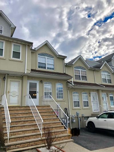 Staten Island Single Family Home For Sale: 22 Millstone Court