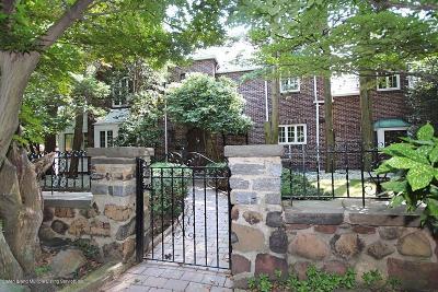 Staten Island Single Family Home For Sale: 120 Longfellow Avenue