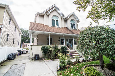 Staten Island Single Family Home For Sale: 264 Mountainview Avenue