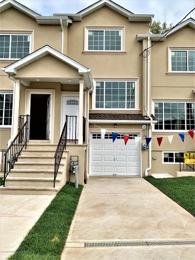 Staten Island Single Family Home For Sale: 345 Van Pelt Avenue