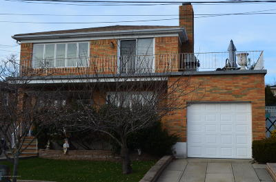 Two Family Home For Sale: 135 Darlington Avenue