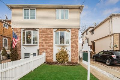Staten Island Semi-Attached For Sale: 940 Clove Way #B