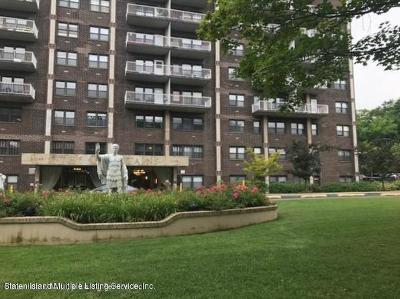 Staten Island Co-op For Sale: 1000 Clove Road #3l