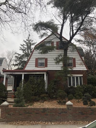 Kings County Single Family Home For Sale: 185 82nd Street